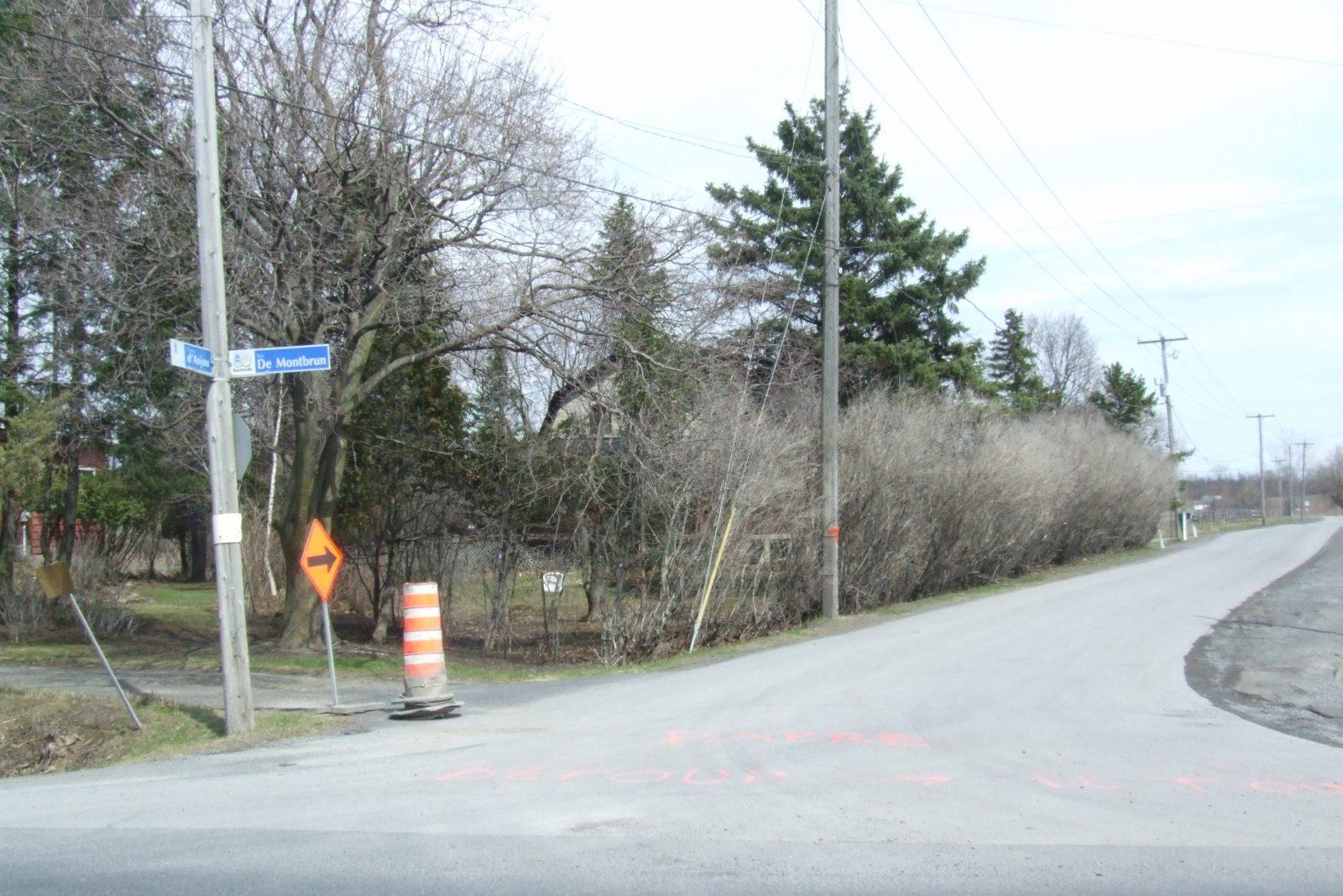 Les citoyens du chemin d'Anjou toujours en attente d'une réponse de Québec pour le branchement de leurs résidences au réseau d'aqueduc municipal