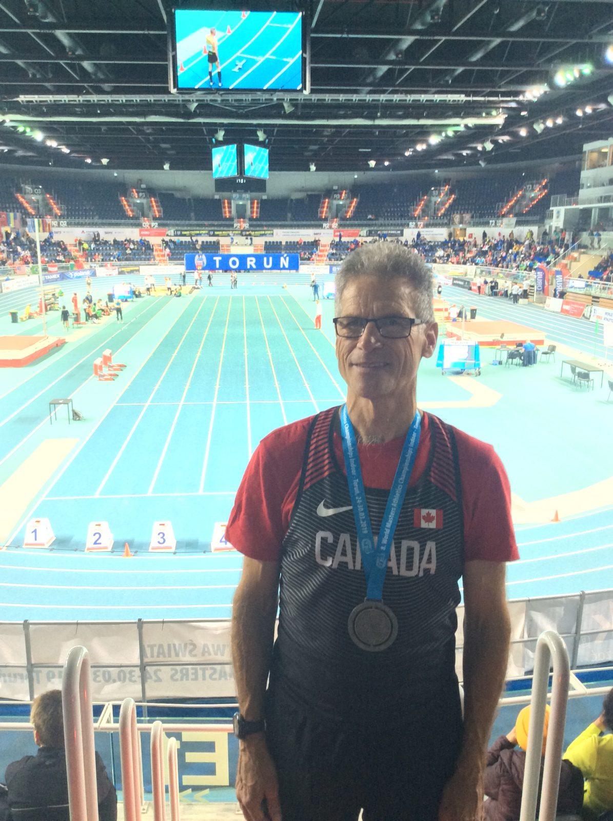 Championnats du monde vétéran à Toruή, en Pologne: le marcheur athlétique Denis Laflamme décroche une médaille d'argent