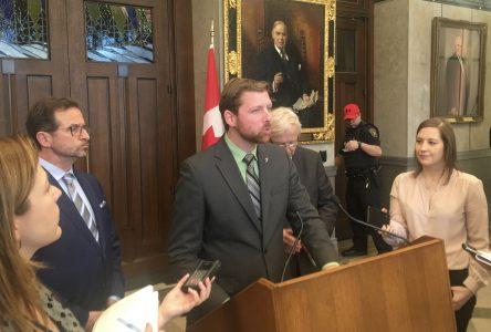 Dépôt d'un projet de loi sur le rapport d'impôt unique :  ce que le Québec veut, le Bloc agit pour l'obtenir!