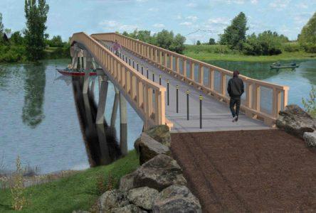La construction d'un nouveau pont et de deux passerelles au parc national des Îles-de-Boucherville retardera l'ouverture du camping Grosbois