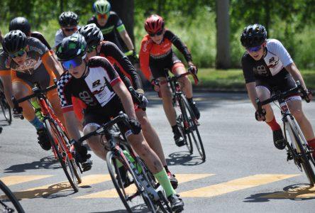 300 cyclistes dans les rues de Boucherville