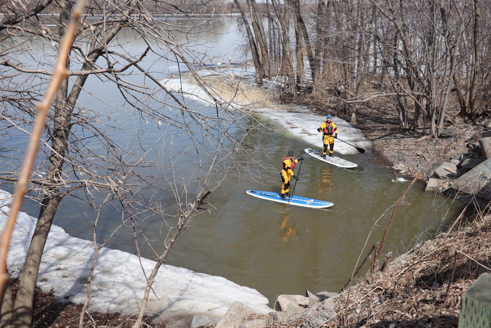 Pressés de surfer sur le fleuve !
