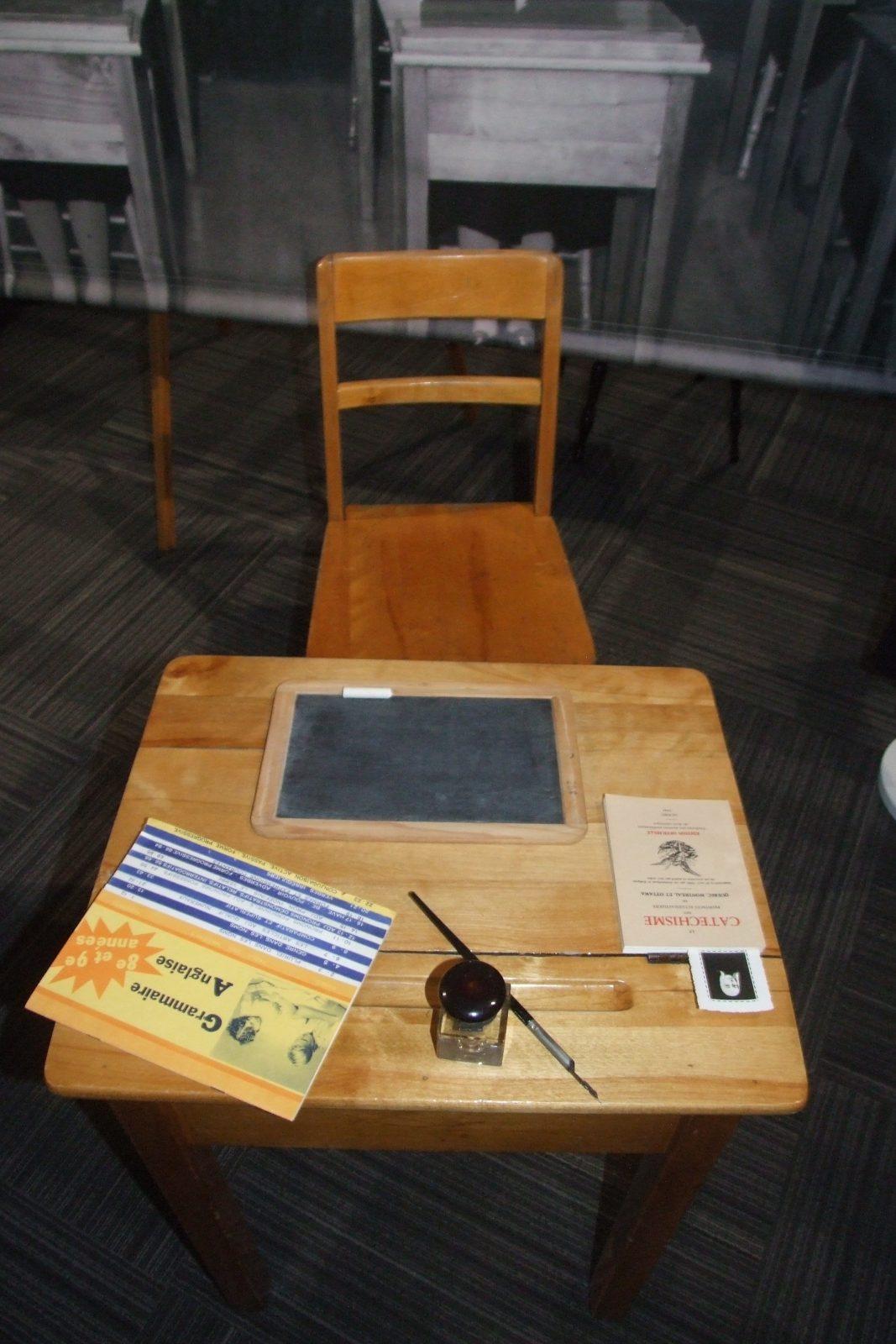 Exposition d'archives sur l'éducation des jeunes filles à la Maison de la Congrégation des Soeurs des SNJM