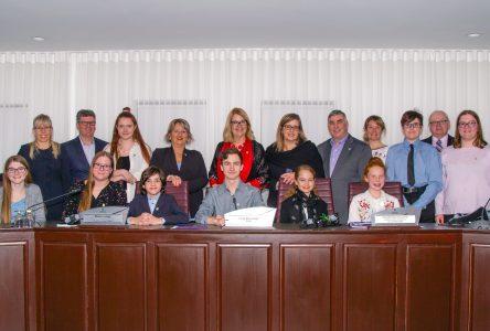 De jeunes Julievillois dans le rôle d'élus municipaux