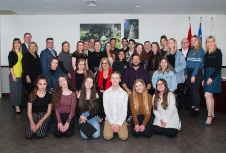 Des danseurs du studio Underground honorés par le conseil municipal de Sainte-Julie