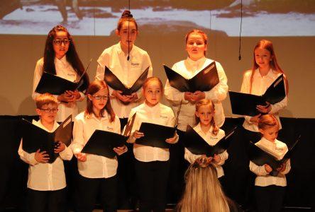 Les Petits Chanteurs de Boucherville rendent hommage à Félix Leclerc