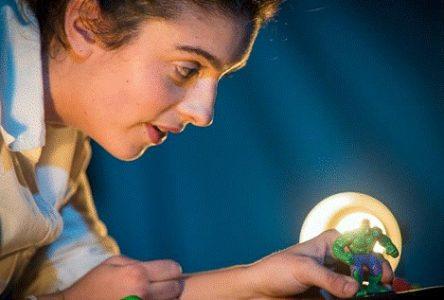 Les Dimanches culturels à la Vieille caserne reçoivent  l'artiste de scène et marionnettiste Antonia Leney-Granger