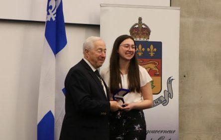 La médaille du Lieutenant-gouverneur pour la jeunesse: la reconnaissance d'un parcours scolaire admirable et d'une détermination à vouloir se dépasser