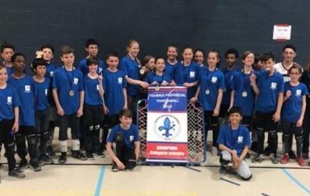 La médaille d'or au tchoukball pour les « Pros de la Bro » de l'école De La Broquerie