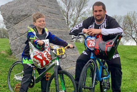 Père et fils participeront aux Championnats du monde de BMX, en Belgique