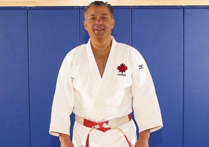 Daniel De Angelis récompensé pour avoir contribué de façon exceptionnelle au développement du judo au Canada