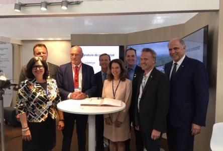 Nouvelle entente de collaboration entre l'ÉNA et l'Aérocampus Aquitaine en France