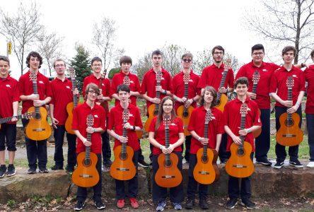Le profil guitare de l'école secondaire du Grand-Coteau se démarque au Québec et au Canada!