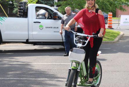 Des véhicules électriques et une camionnette offerts en autopartage à Sainte-Julie