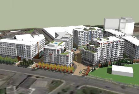 Le mégaprojet de 175 M$ devra à nouveau être présenté à la population de Sainte-Julie