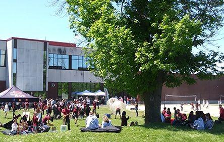 Fête de fin d'année à l'école secondaire De Mortagne à Boucherville