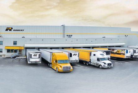 Bolloré Logistics Canada, J2 et le Groupe Robert unifient leurs expertises au sein d'un consortium dans le but de fluidifier la chaîne d'approvisionnement aéronautique.