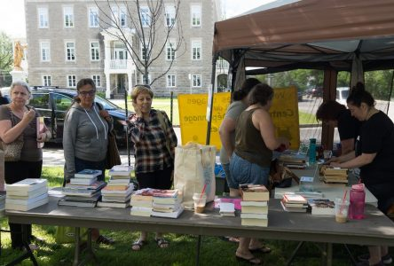 La vente de livres au profit du Centre Aux Quatre Poches rapporte 14 650 $