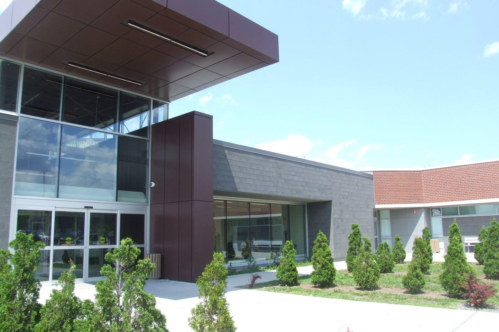 Le Complexe sportif Duval Auto redevient le Centre des glaces Gilles-Chabot