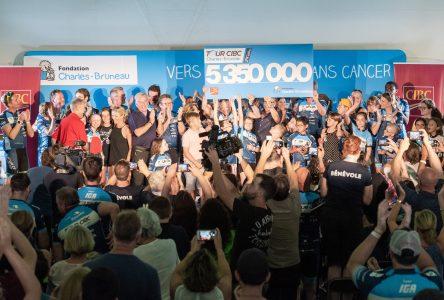 850 cyclistes arrivent à Boucherville :  le Tour CIBC rapporte 5,35 M$