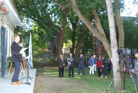 Le maire Jean Martel convie les citoyens dans le Vieux-Boucherville au prochain Déjeuner du maire