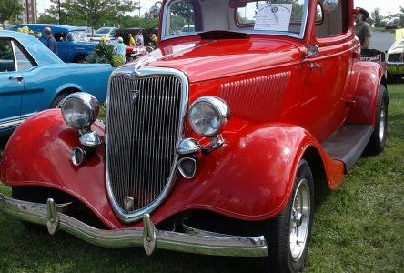 Une exposition de voitures anciennes à Boucherville le 25 août