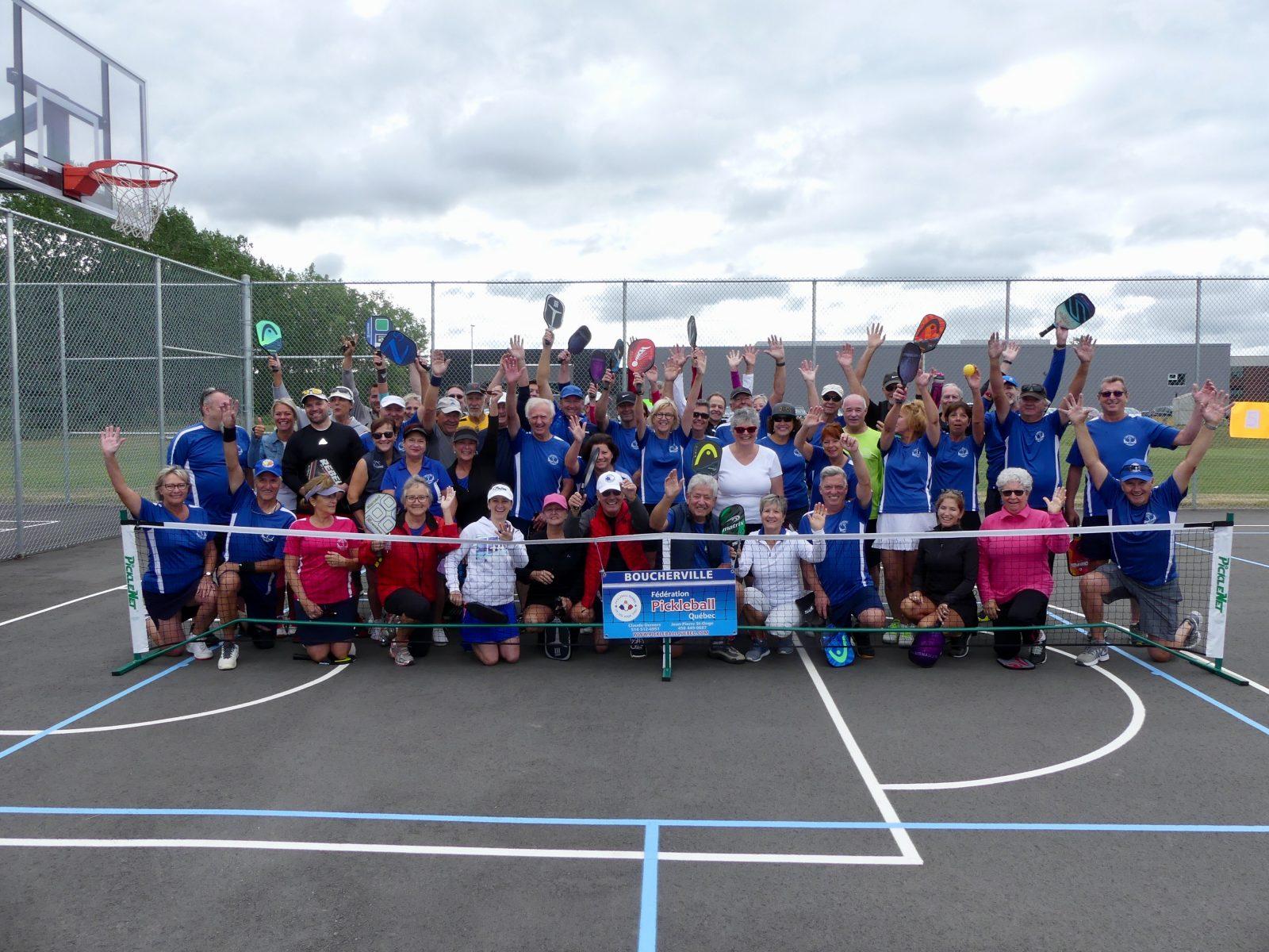 Une cinquantaine de joueurs de Boucherville célèbrent la Journée nationale de pickleball