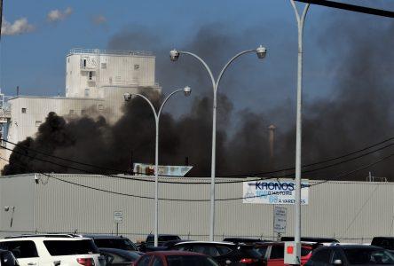 Incendie à l'usine Kronos de Varennes