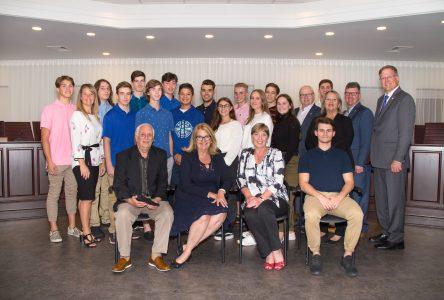 Des sportifs et des bénévoles honorés par le conseil municipal de Sainte-Julie