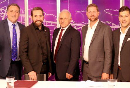 Quatre candidats dans Pierre-Boucher-Les Patriotes-Verchères s'affrontent  Cinq thèmes abordés au débat télévisé à TVRS