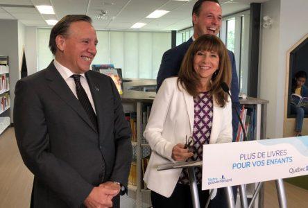 Québec ajoute 5 M $ pour l'achat de livres dans les bibliothèques scolaires