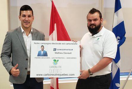 Des gestes concrets pour l'environnement dans la campagne du candidat conservateur Mathieu Daviault