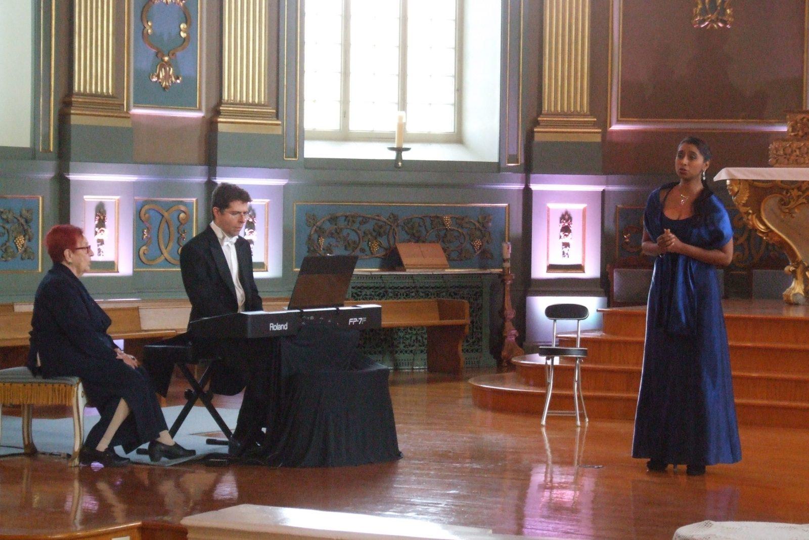 Poésie et musique font bon ménage au concert du compositeur Denis Alain Dion
