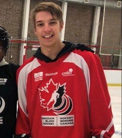 Étudiant-hockeyeur en sport-études ayant perdu la vue à 15 ans: Thomas Raymond sélectionné dans l'Équipe nationale
