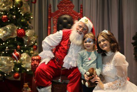 Le père Noël fait un arrêt remarqué à Saint-Amable et vous donne rendez-vous à Sainte-Julie le 7 décembre!