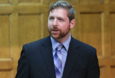 Fermeture de magasins RONA : Ottawa doit révéler son entente avec Lowe's