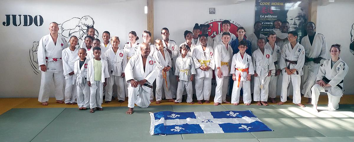Des élèves de l'école De Mortagne accompagnent la délégation en Guadeloupe