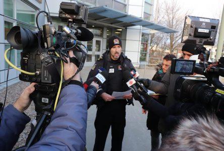 Vols de données cellulaires de personnalités publiques : un résident de Québec est appréhendé