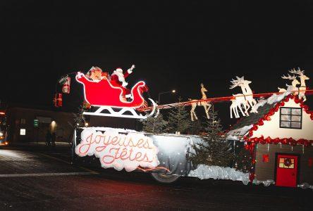 La magie de Noël rassemble plus de 18 000 personnes dans les rues de Sainte-Julie!
