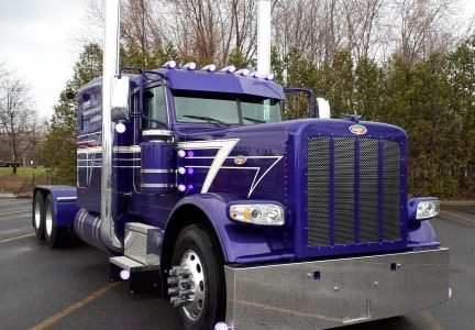 Excellence Peterbilt remet plus de 15 000 $ à Autisme Montérégie