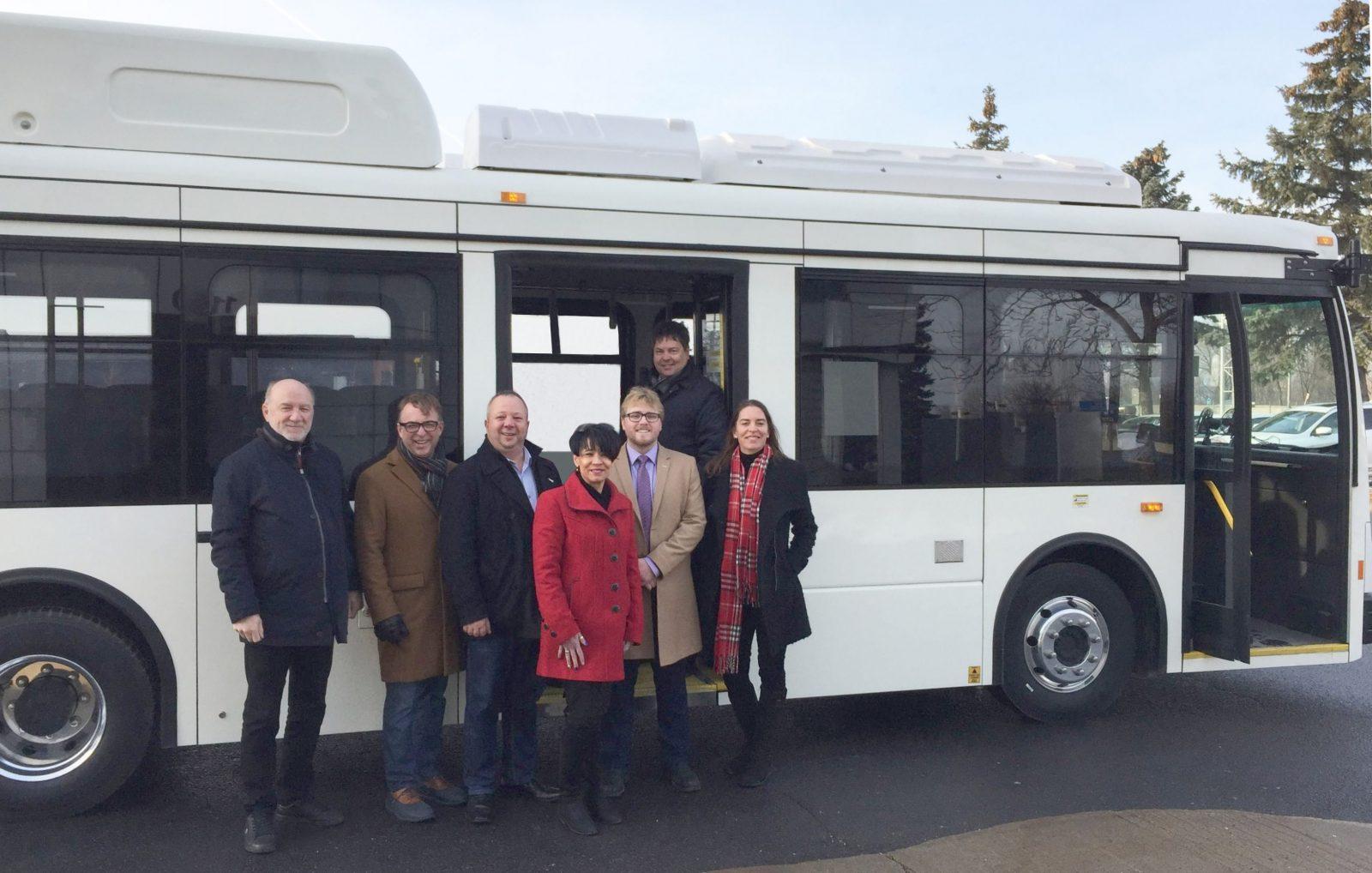 Le RTL reçoit son premier autobus électrique