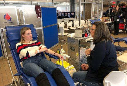 Invitation à donner du sang au cégep Édouard-Montpetit ou à l'École nationale d'aérotechnique