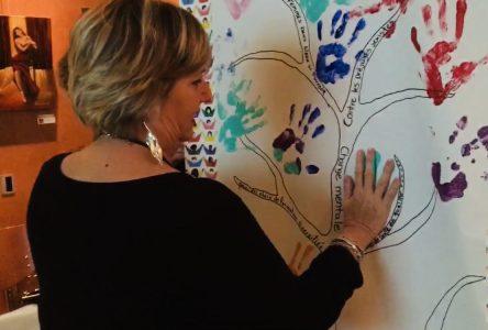 Une soixantaine de personnes ont souligné la Journée internationale des droits des femmes à Sainte-Julie