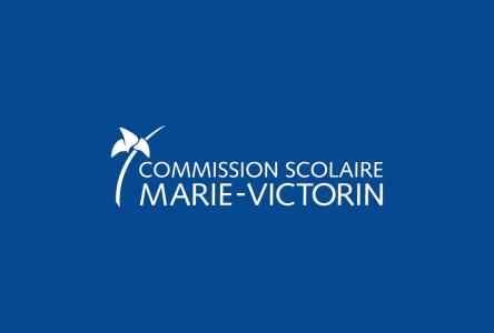 COVID-19 : la Commission scolaire Marie-Victorin produit du matériel médical