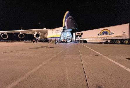 Le Groupe Robert participe au déchargement du gigantesque avion-cargo Antonov 225