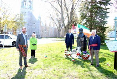 Hommage à Bernard Landry lors de la Journée nationale des Patriotes