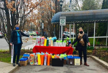 Des Bouchervillois disent merci! : grande récolte de belles attentions envers le personnel du Centre d'hébergement Jeanne-Crevier