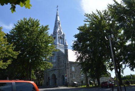 Les paroissiens de Sainte-Julie répondent positivement à la  « Contribution paroissiale annuelle »