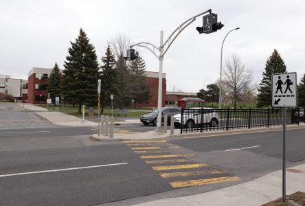 La traverse piétonne sera plus sécuritaire devant l'école De Mortagne