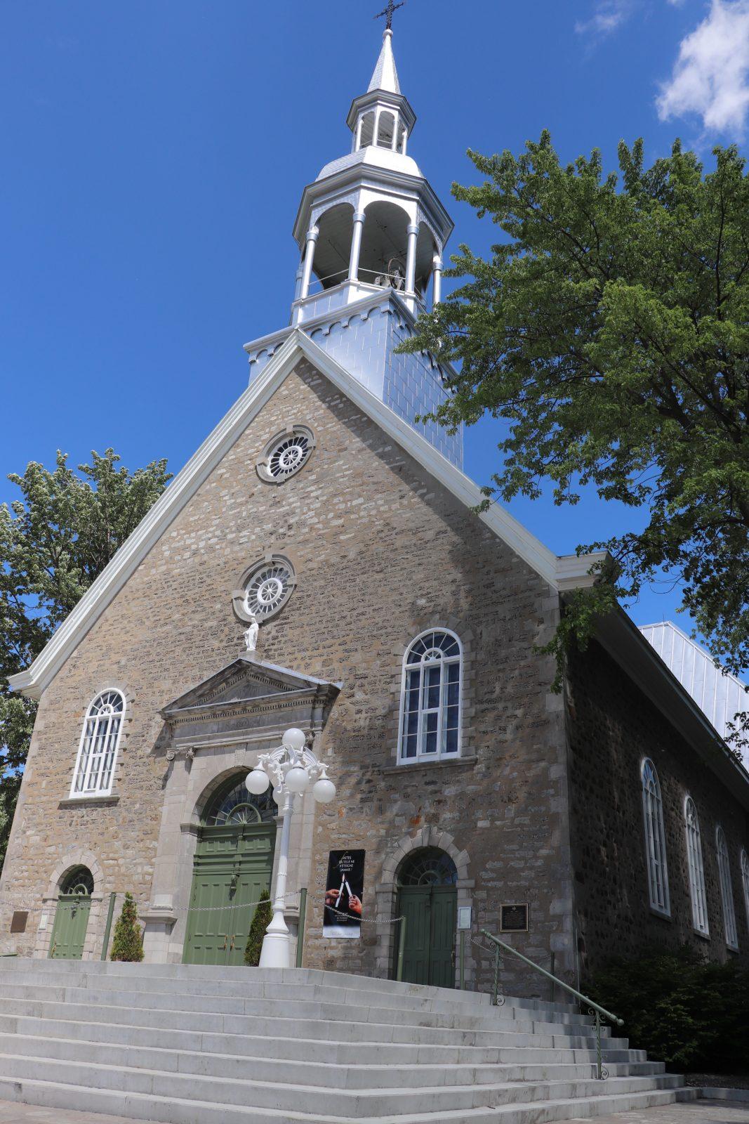 Les églises rouvrent, avec un accès limité